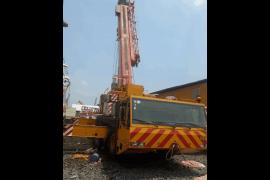 Xe cẩu 90 tấn bánh lốp đóng vai trò quan trọng trong xây dựng và cảng biển